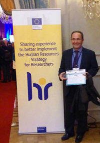 Eloy García Calvo with the 'Hr Excellence in Research' Award