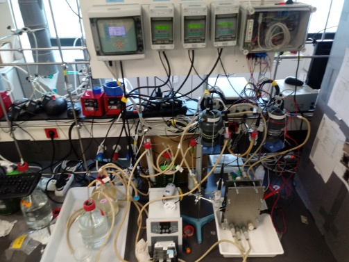 Lab-scale Microbial Electrochemical Reactor for environmental biotechnology studies