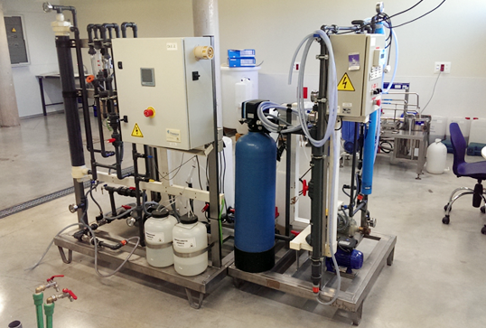 Spiral wound ultrafiltration and reverse osmosis membrane pilot plants that can be coupled and used in serie.